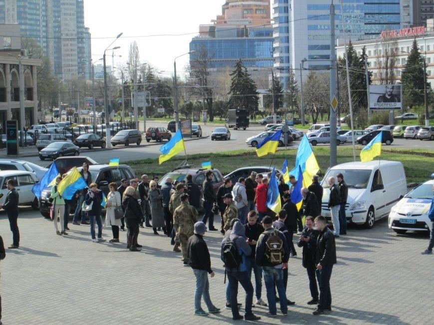 9ad3f4881ffc6c2221d222f2b36ce203 Митинг за рулем: одесситы устроили автопробег против Стоянова