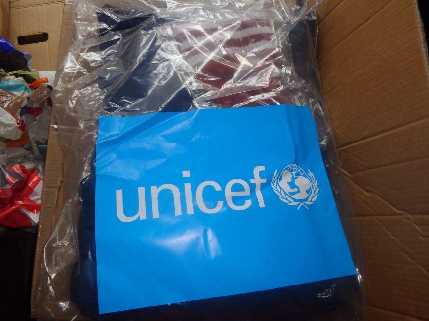 В Красноармейске начата выдача гуманитарной помощи в виде одежды и обуви из Германии (фото) - фото 5
