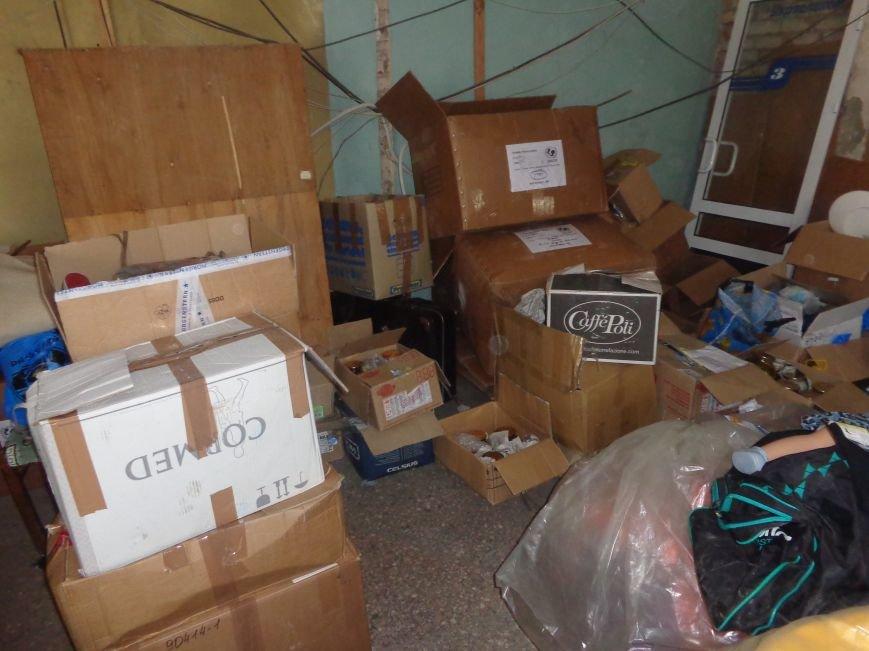 В Красноармейске начата выдача гуманитарной помощи в виде одежды и обуви из Германии (фото) - фото 7