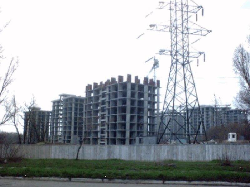 Нардеп Тарута в Мариуполе хочет расквартировать силовиков в элитном недострое