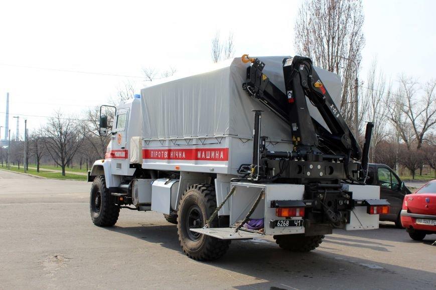 Спасателям Луганщины был доставлен современный автомобиль (ФОТО) (фото) - фото 1