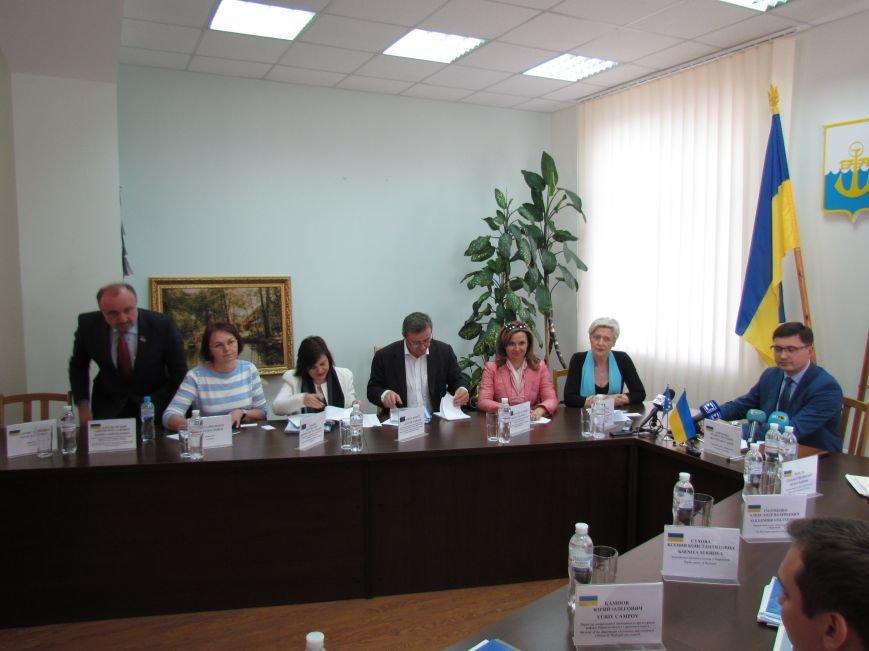 Мэр Мариуполя рассказал докладчикам ПАСЕ о зоне АТО (ФОТО+ВИДЕО), фото-2