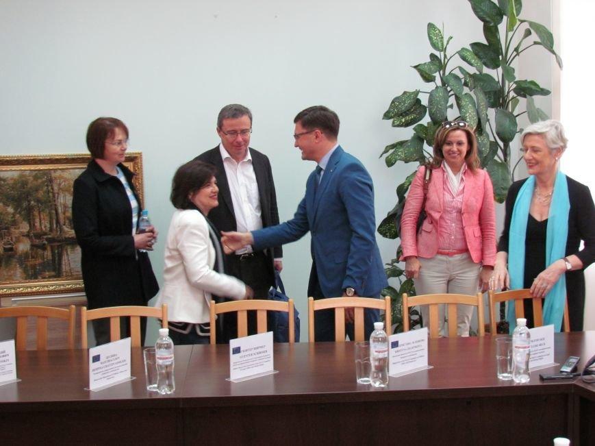Мэр Мариуполя рассказал докладчикам ПАСЕ о зоне АТО (ФОТО+ВИДЕО), фото-1