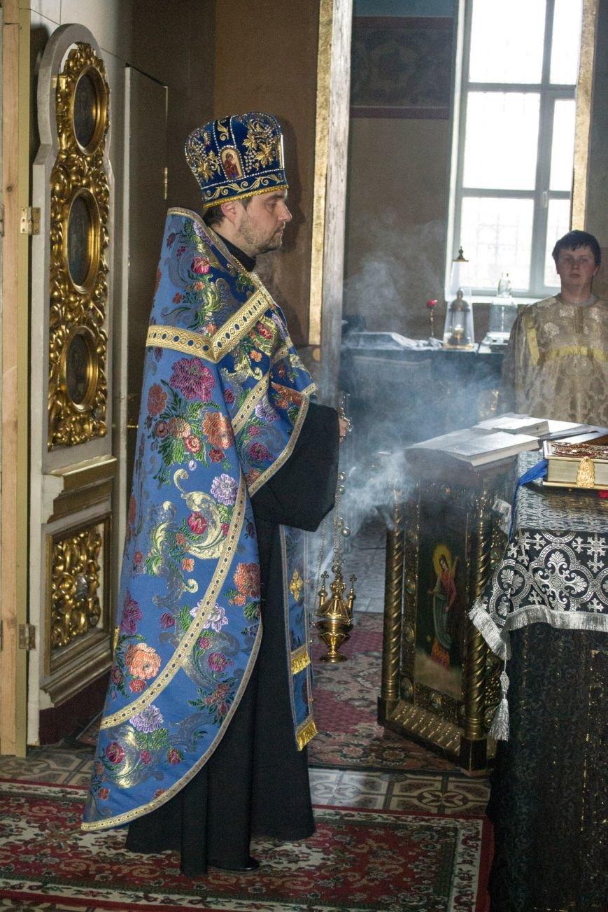 Православный Днепродзержинск отмечает Благовещение (фото) - фото 1