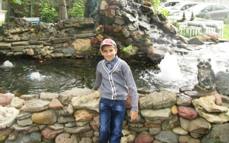 Армавирцев просят помочь в сборе средств на лечение 11-летнего Геннадия Жарких (фото) - фото 1
