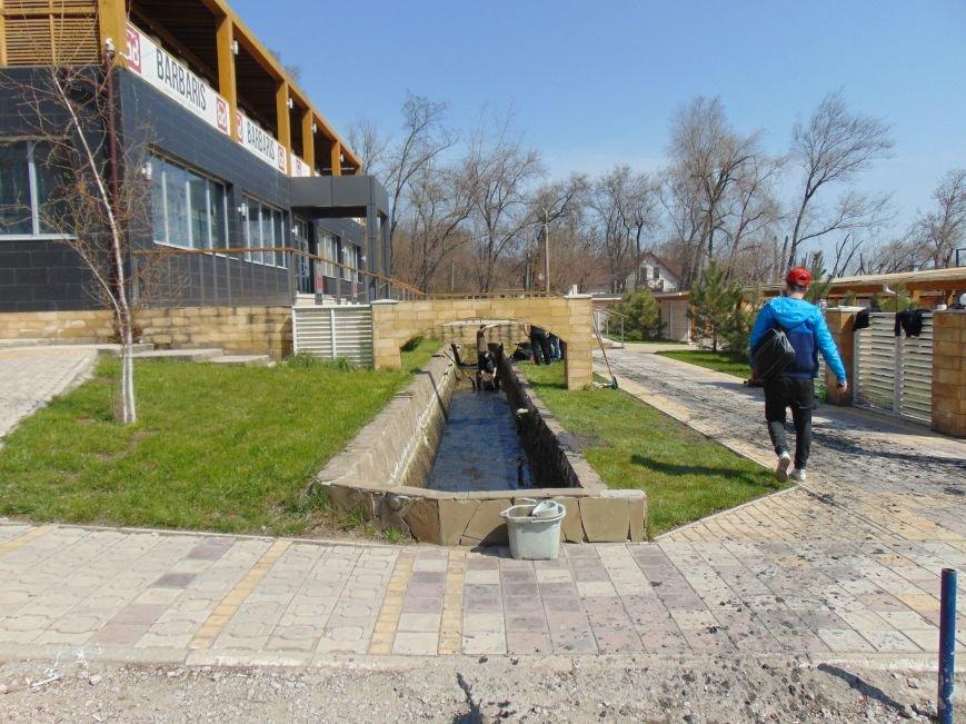В Мариуполе Приморский бульвар стал рекой (ФОТО) (фото) - фото 3