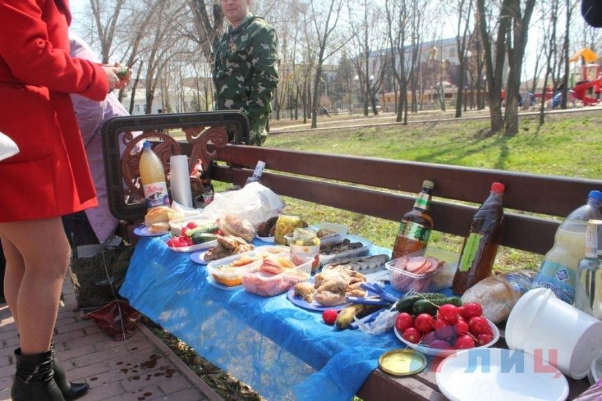 В оккупированном Луганске по-особенному отметили вторую годовщину захвата СБУ (ФОТО) (фото) - фото 1
