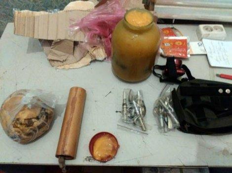 Солодкий гостинець: Боєць АТО планував відправити на Прикарпаття 4 гранати у банці меду (фото) - фото 2