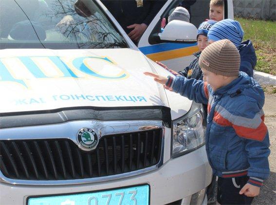 Кіровоградські поліцейські запросили свою майбутню зміну на екскурсію (ФОТОРЕПОРТАЖ) (фото) - фото 17