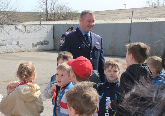 Кіровоградські поліцейські запросили свою майбутню зміну на екскурсію (ФОТОРЕПОРТАЖ) (фото) - фото 19