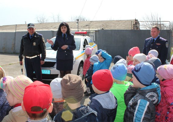 Кіровоградські поліцейські запросили свою майбутню зміну на екскурсію (ФОТОРЕПОРТАЖ) (фото) - фото 15