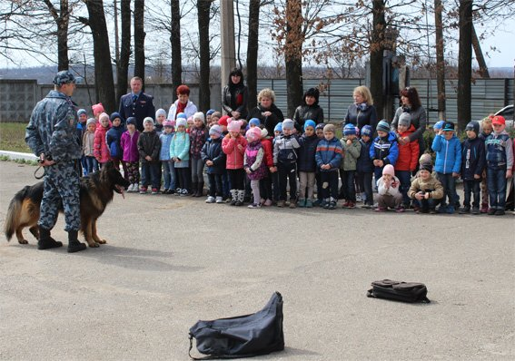 Кіровоградські поліцейські запросили свою майбутню зміну на екскурсію (ФОТОРЕПОРТАЖ) (фото) - фото 10
