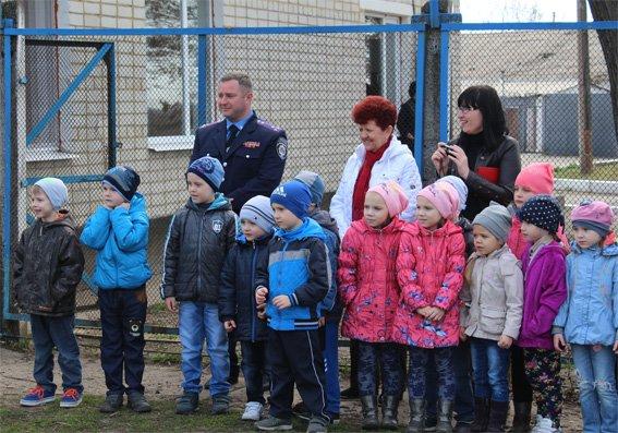 Кіровоградські поліцейські запросили свою майбутню зміну на екскурсію (ФОТОРЕПОРТАЖ) (фото) - фото 8
