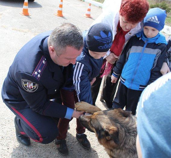 Кіровоградські поліцейські запросили свою майбутню зміну на екскурсію (ФОТОРЕПОРТАЖ) (фото) - фото 14