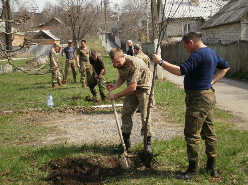 Жители Северска делают свой город чище (фото) - фото 1