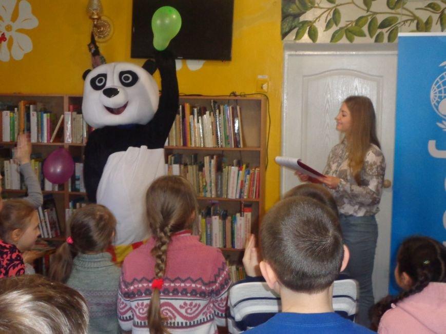 Любимые герои, сладкие сюрпризы и «движение, которое жизнь»: в детской библиотеке имени А. П. Гайдара прошел День Здоровья (фото) - фото 10