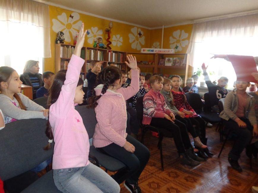 Любимые герои, сладкие сюрпризы и «движение, которое жизнь»: в детской библиотеке имени А. П. Гайдара прошел День Здоровья (фото) - фото 4