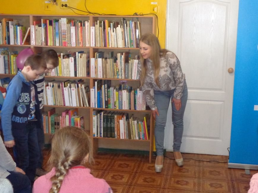 Любимые герои, сладкие сюрпризы и «движение, которое жизнь»: в детской библиотеке имени А. П. Гайдара прошел День Здоровья (фото) - фото 13