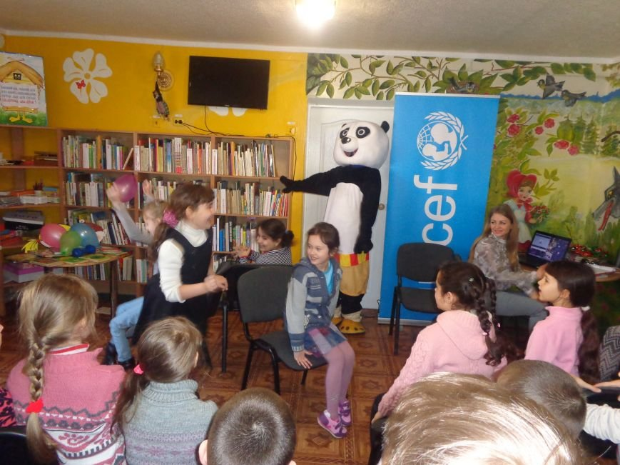 Любимые герои, сладкие сюрпризы и «движение, которое жизнь»: в детской библиотеке имени А. П. Гайдара прошел День Здоровья (фото) - фото 11