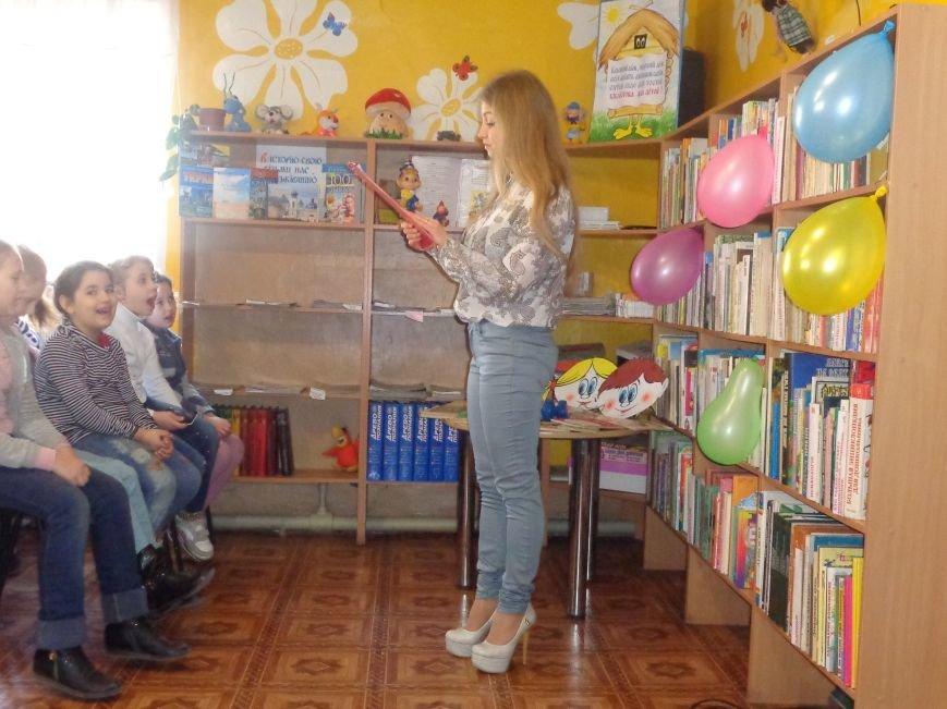 Любимые герои, сладкие сюрпризы и «движение, которое жизнь»: в детской библиотеке имени А. П. Гайдара прошел День Здоровья (фото) - фото 5