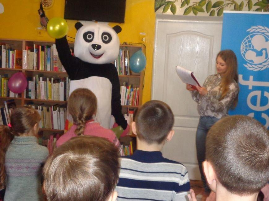 Любимые герои, сладкие сюрпризы и «движение, которое жизнь»: в детской библиотеке имени А. П. Гайдара прошел День Здоровья (фото) - фото 9