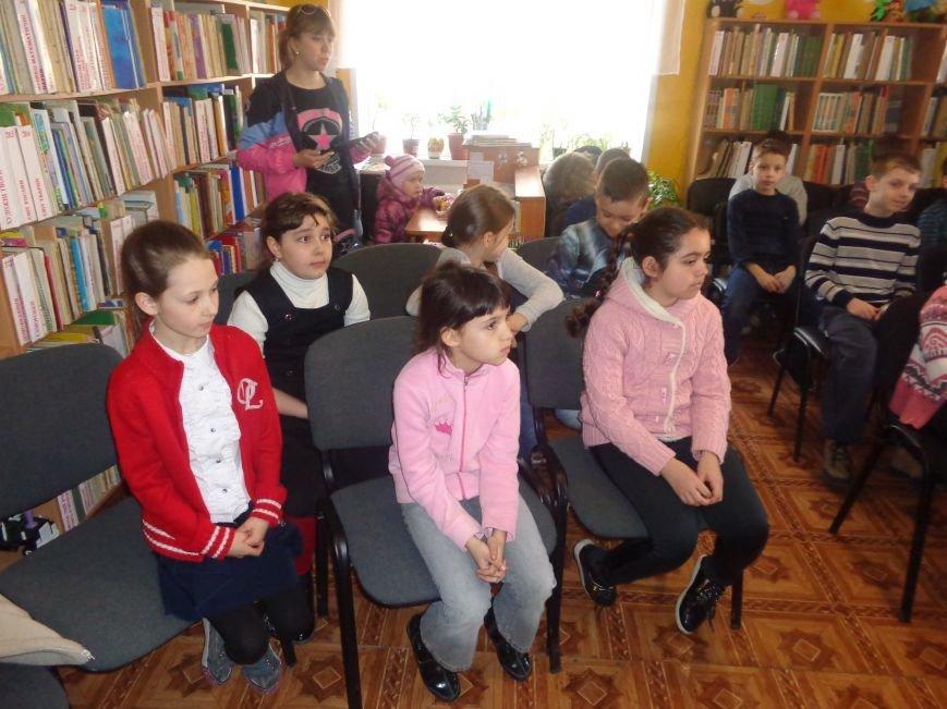 Любимые герои, сладкие сюрпризы и «движение, которое жизнь»: в детской библиотеке имени А. П. Гайдара прошел День Здоровья (фото) - фото 3