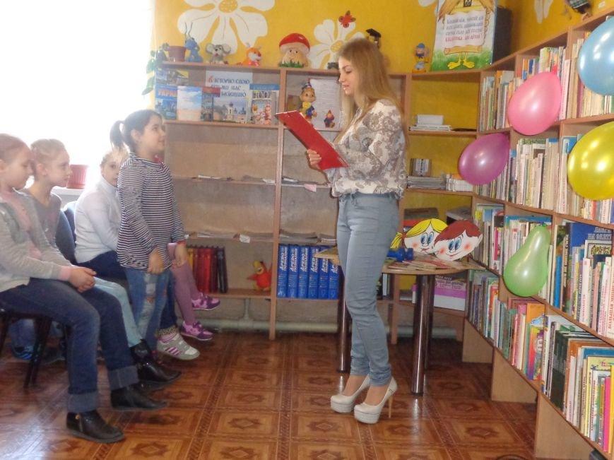 Любимые герои, сладкие сюрпризы и «движение, которое жизнь»: в детской библиотеке имени А. П. Гайдара прошел День Здоровья (фото) - фото 1