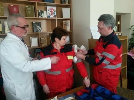 """Всемирный день здоровья в Мариуполе отметили в библиотеке с медиками """"скорой"""" (ФОТО), фото-5"""
