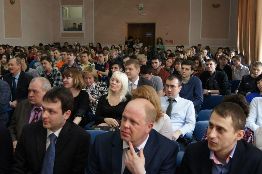 В Ростове проходят соревнования WorldSkills среди сисадминов (фото) - фото 1