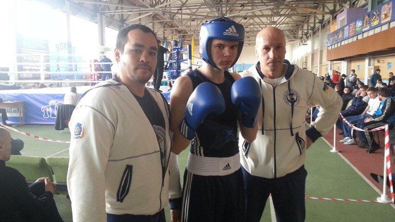 Херсонские боксеры привезли награды с Чемпионата Украины по боксу среди юниоров (фото) (фото) - фото 1
