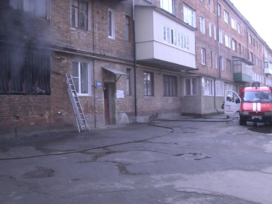 У центрі Хмельницького згоріла квартира (Фото) (фото) - фото 2