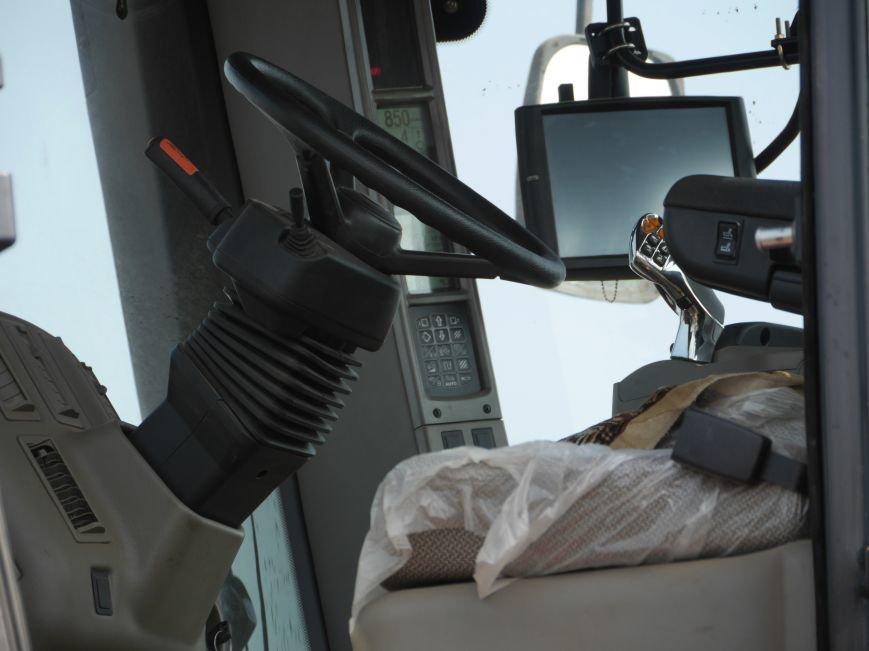 """""""МРІЯ Агрохолдинг"""" придбала нові гусеничні трактори, які найменше ущільнюють і руйнують ґрунт (фото) - фото 14"""