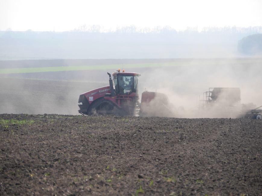 """""""МРІЯ Агрохолдинг"""" придбала нові гусеничні трактори, які найменше ущільнюють і руйнують ґрунт (фото) - фото 17"""