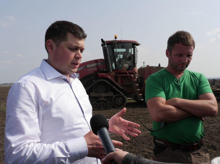 """""""МРІЯ Агрохолдинг"""" придбала нові гусеничні трактори, які найменше ущільнюють і руйнують ґрунт (фото) - фото 15"""