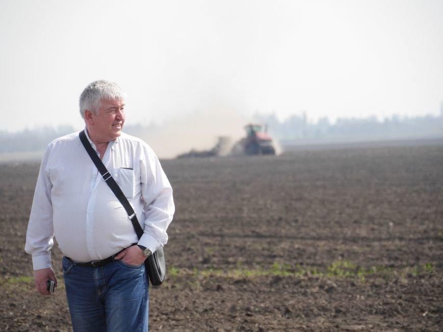 """""""МРІЯ Агрохолдинг"""" придбала нові гусеничні трактори, які найменше ущільнюють і руйнують ґрунт (фото) - фото 13"""