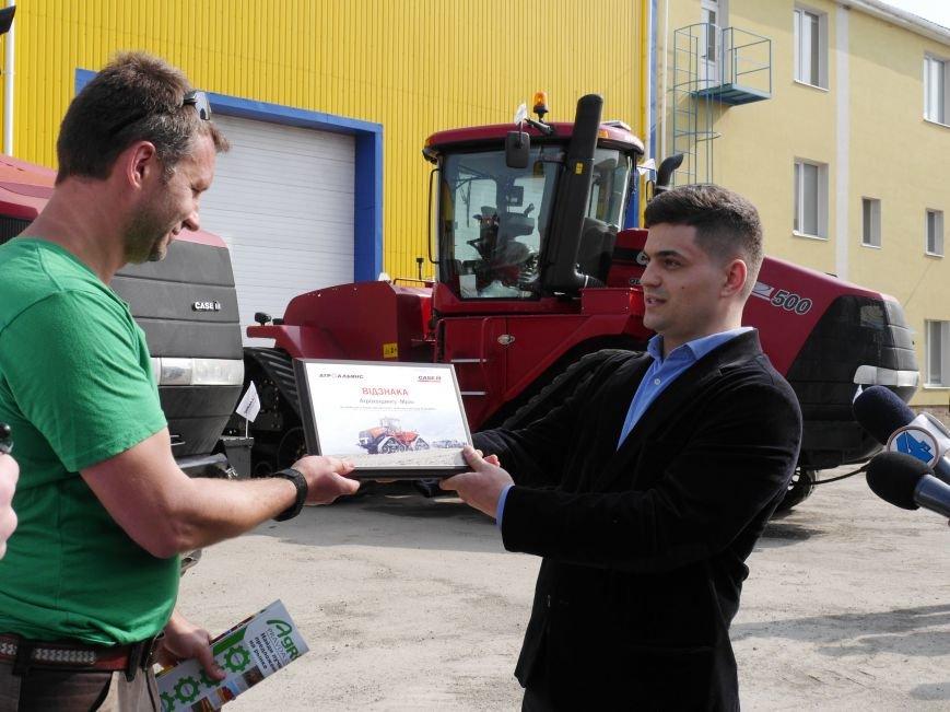 """""""МРІЯ Агрохолдинг"""" придбала нові гусеничні трактори, які найменше ущільнюють і руйнують ґрунт (фото) - фото 2"""
