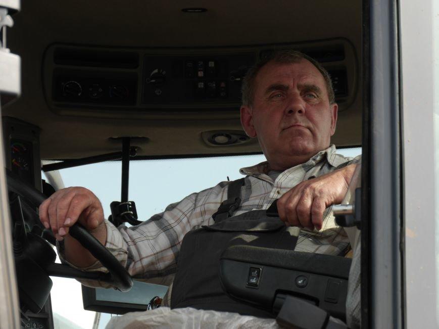 """""""МРІЯ Агрохолдинг"""" придбала нові гусеничні трактори, які найменше ущільнюють і руйнують ґрунт (фото) - фото 19"""