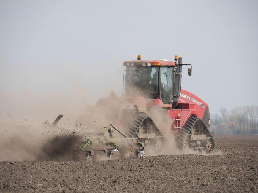 """""""МРІЯ Агрохолдинг"""" придбала нові гусеничні трактори, які найменше ущільнюють і руйнують ґрунт (фото) - фото 20"""