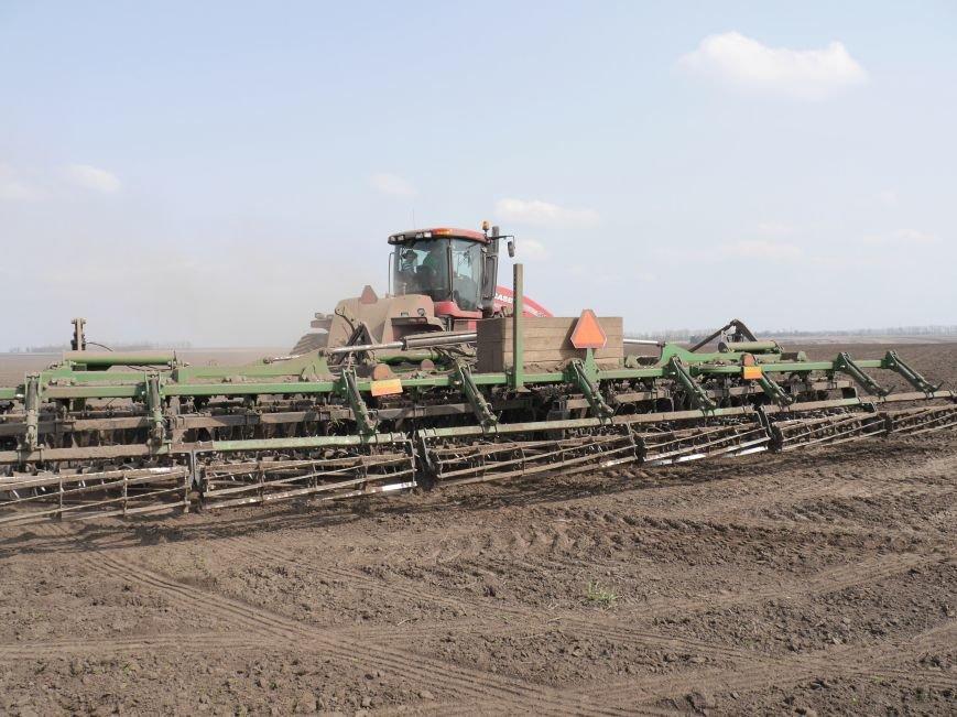 """""""МРІЯ Агрохолдинг"""" придбала нові гусеничні трактори, які найменше ущільнюють і руйнують ґрунт (фото) - фото 16"""