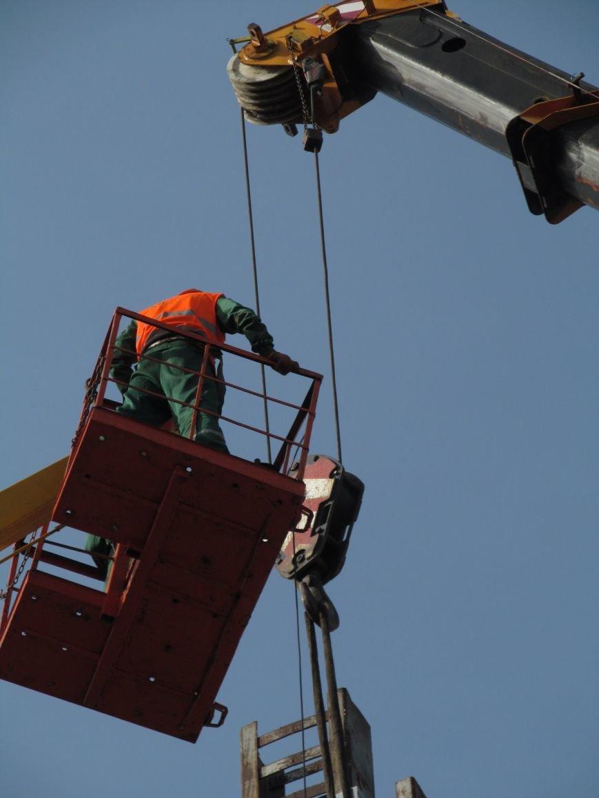 В Кременчуге сняли «серп и молот» на площади Независимости (фото и видео), фото-11