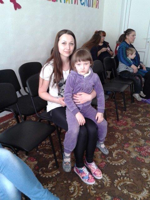 Днепродзержинские студенты устроили праздник для воспитанников детского приюта (фото) - фото 9