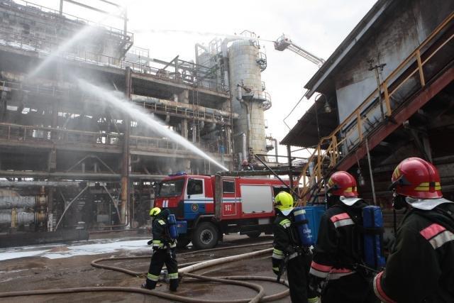 «Спасение пострадавшего в  дымокамере и ликвидация ЧС». На «Нафтане» и «Полимире» прошли масштабные учения спасателей, фото-5