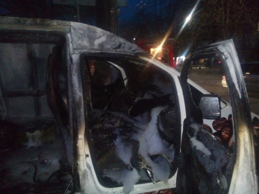 У центрі Черкас згорів кавовий автомобіль (ФОТО, ВІДЕО), фото-3
