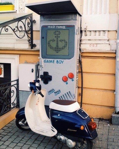 В центре Одессы появилась огромная игровая приставка, которая возвращает в детство (ФОТО) (фото) - фото 1