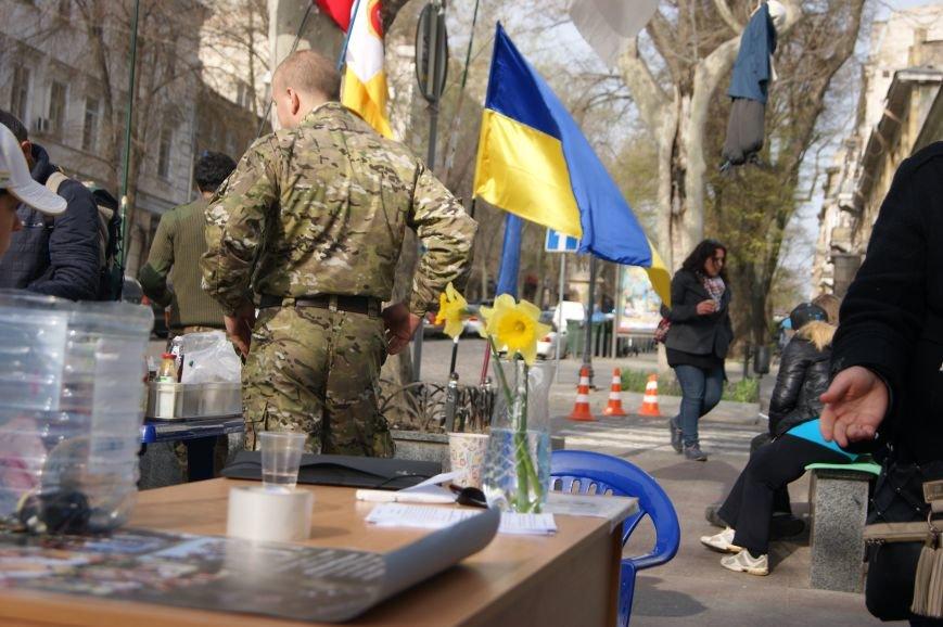 4a4674f7db8a151a698fcb3b8b5edbc2 Прокурорский майдан в Одессе оброс баррикадами: Его защитники облачились в бронежилеты