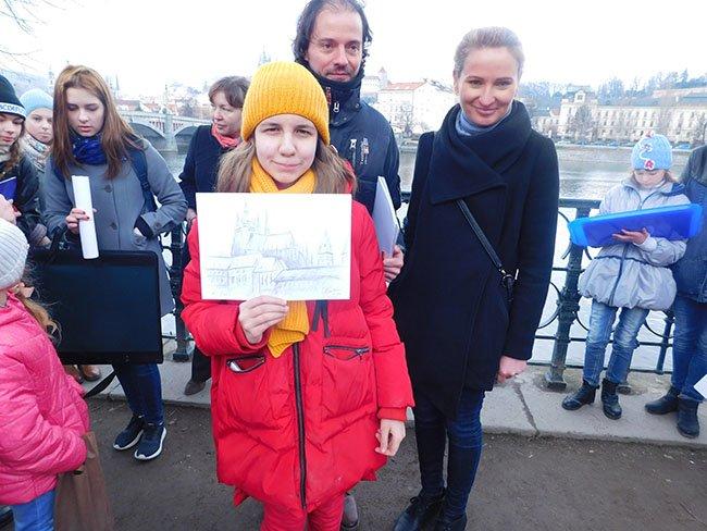 Как новополоцкие юные художники поразили пражского художника за 30 минут на фестивале в Чехии (фото) - фото 3