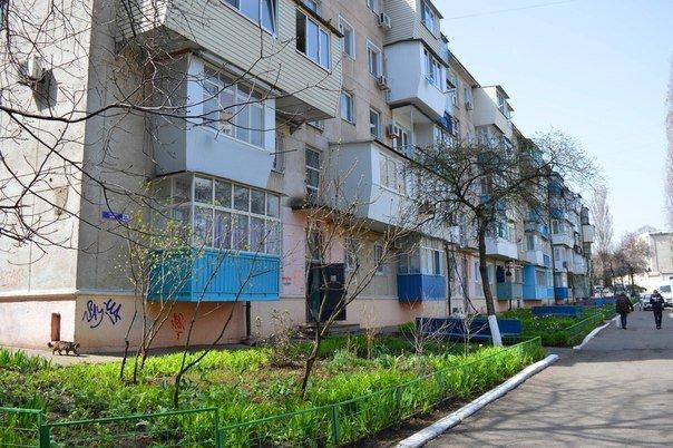 В Черноморске идёт ремонт подъездов (фото) - фото 4