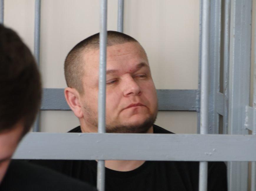 У Хмельницькому судять в'язнів-втікачів: Гадзіна просив пробачення у конвоїра (Фото) (фото) - фото 4