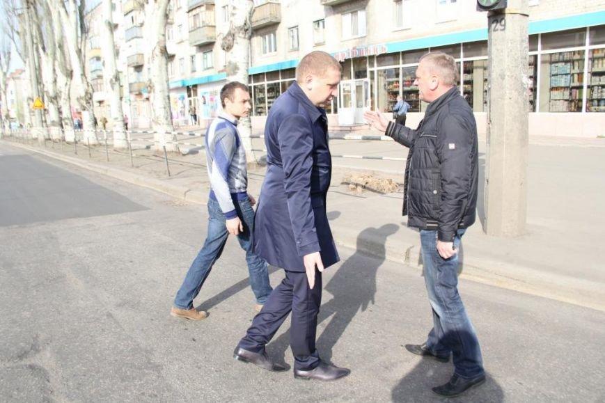После ремонта на дороге по улице Первомайской остались ямы (фото и видео), фото-2