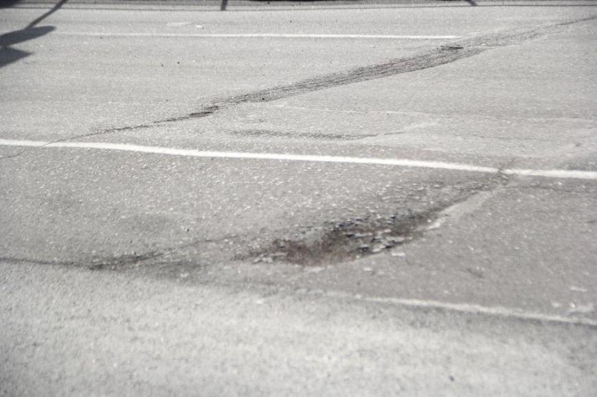 После ремонта на дороге по улице Первомайской остались ямы (фото и видео), фото-3
